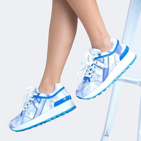 45edb926ecc6 YRU Tune Tie Dye Cloud Platform Sneakers. M 5be71de8de6f62b4d52e35f3